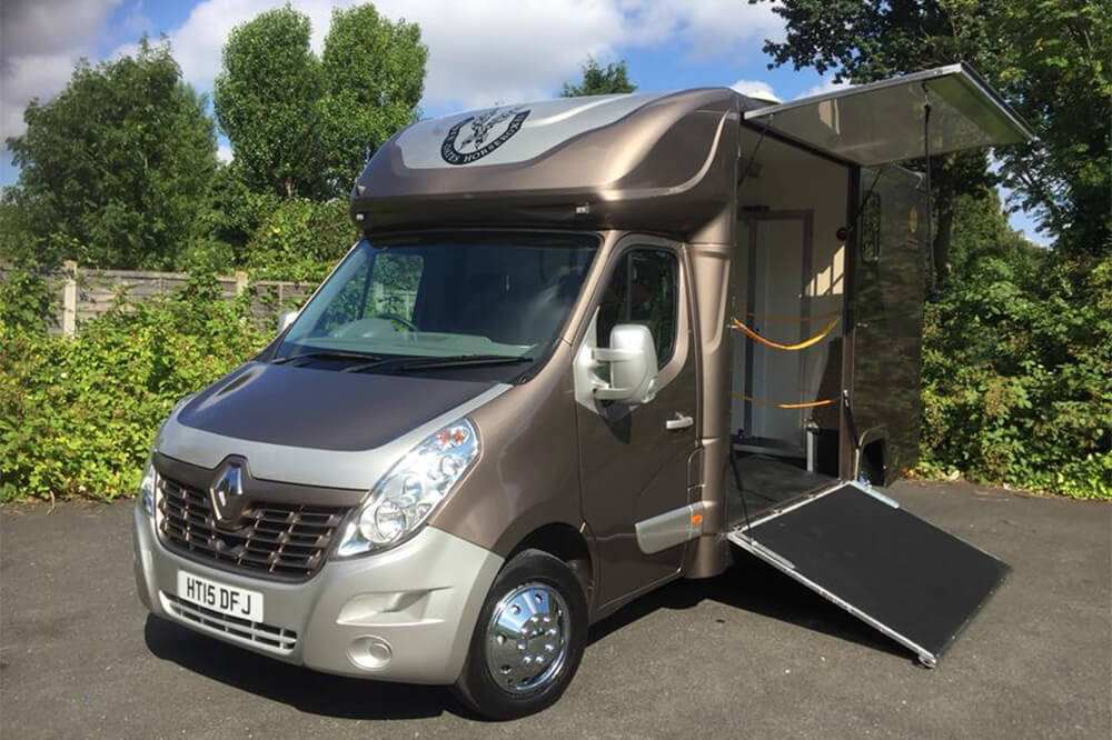 custom built horsebox